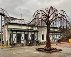 V KOVOZOO vyrostl železný Strom života